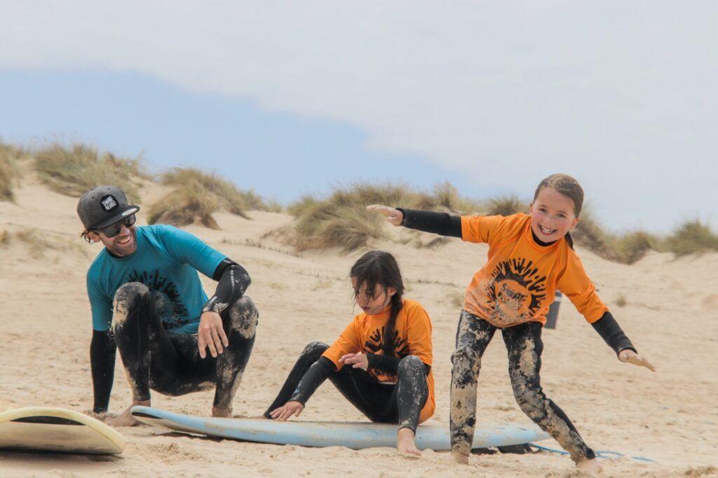 Aulas-de-Surf-para-familias-e-grupos-privados